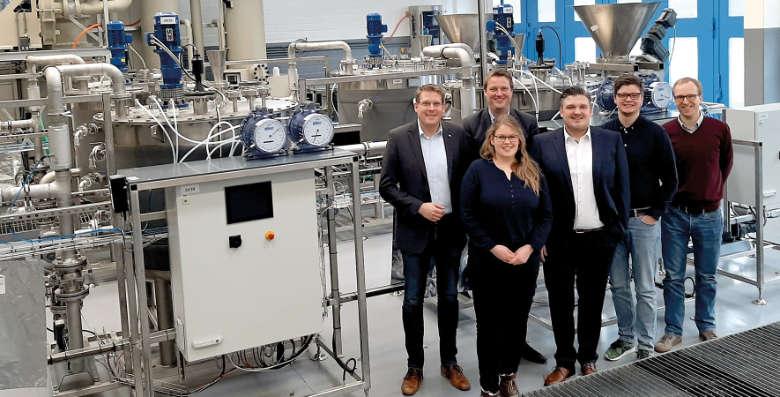 Das Projektteam aus Fachhochschule Münster und AGRAVIS Raiffeisen AG erarbeitet praxisnahe Vorbehandlungskonzepte von Reststoffen zur Gewinnung von Biogas. Das Bundesministerium für Wirtschaft und Energie fördert das Projekt.